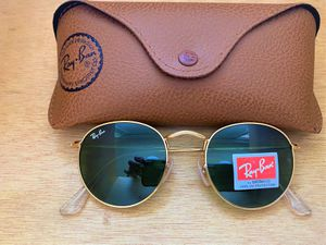 Brand New Authentic RayBan Round Sunglasses 100% UV Protectant for Sale in Houston, TX