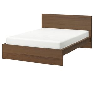 Queen bed frame for Sale in Orlando, FL