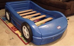 Little Tykes Car Bed for Sale in Tulare, CA