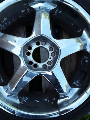18in universal fit great thread on tires for Sale in Kenbridge, VA