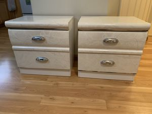 Pair of nightstands / mini dresser / side end table / drawer chest for Sale in Bellevue, WA