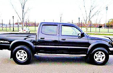 ֆ14OO 4WD Toyota Tacoma 4WD for Sale in San Francisco,  CA