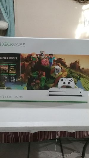 Xbox One S 1TB Minecraft Bundle White for Sale in Los Angeles, CA