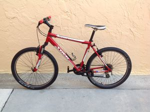 BICYCLE TREK 21 SPEED EXCELLENT CONDITION for Sale in Miami, FL