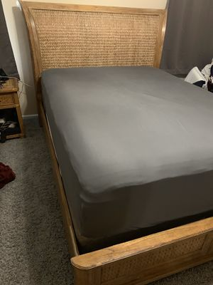 Queen bed frame for Sale in Murfreesboro, TN
