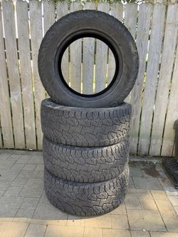 Hancock LT305/55R20 tires for Sale in Tacoma,  WA