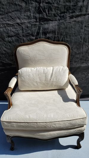 🌺Beautiful Accent Chair 🌸 for Sale in Ontario, CA