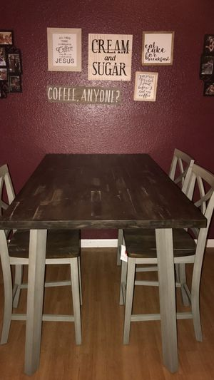Kitchen table and 4 chairs like new for Sale in Indianapolis, IN