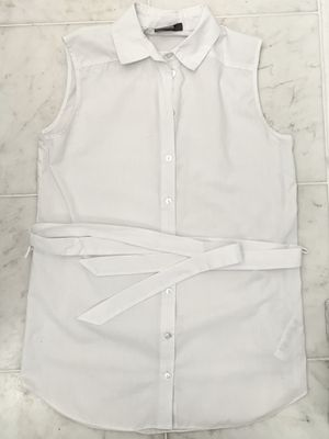 White top with belt for Sale in New York, NY