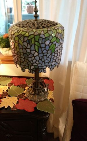 Tiffany Style Wisteria Lamp for Sale in Vancouver, WA