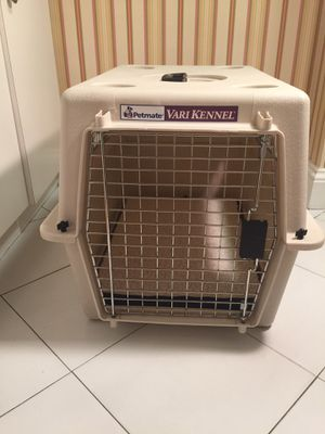 Dog kennel size Medium for Sale in New York, NY