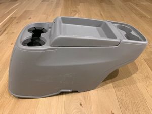 Honda Odyssey 13-17 OEM FRONT FLOOR CENTER CONSOLE 4 CUP HOLDER GRAY ARMREST for Sale in Apex, NC