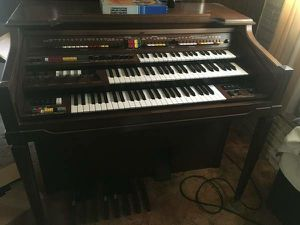 Vintage piano still works! Make me an offer for Sale in Davenport, IA