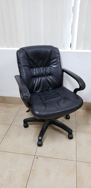 Office Desk Chair for Sale in Huntington Park, CA
