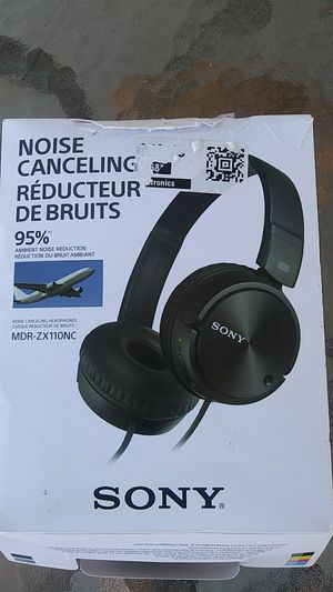 Sony noise cancelling headphones for Sale in Montebello, CA