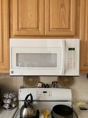 Kenmore 1.8l microwave for Sale in Santa Monica, CA