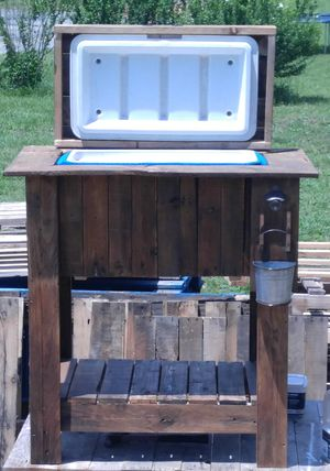 Reclaimed wood cooler bar for Sale in Orlando, FL
