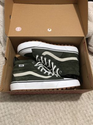 Vans women size 8.5 (Forrest Green) for Sale in The Bronx, NY