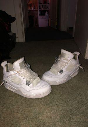 Jordan's (retro 4) for Sale in Tacoma, WA