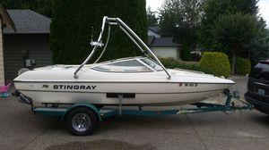 1999 Stingray 180rs ski wakeboard boat for Sale in Arlington, WA