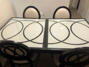 Dinning set with stand for Sale in Fort Washington, MD