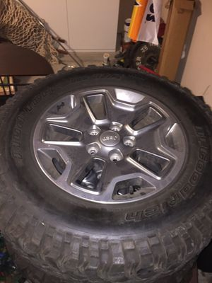 17 inch Wheels and Tires ( 2017 JEEP RUBICON ) for Sale in Houston, TX