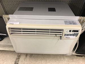 12,000 BTU ac unit kenmore cold cold air conditioner for Sale in Austin, TX