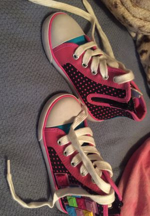 Brand new to small for my daughter size 8 for Sale in Phoenix, AZ