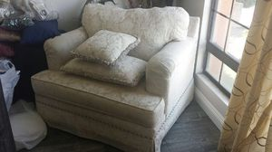 Modern Eathen Allen Jumbo Accent Chair Very Comfortable Very Good Condition Clean for Sale in Walnut, CA