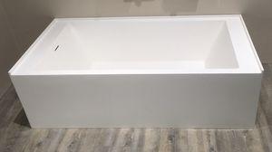 Bondi Kitchen & Bath 60.25 x 30 Bath Tub, Showroom Display for Sale in West Covina, CA