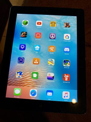 iPad 32GB WiFi + Cellular for Sale in Davenport, FL