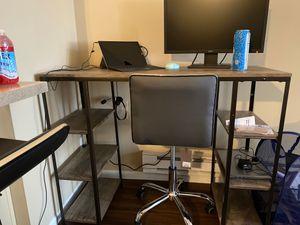 Decorative desk for Sale in Reynoldsburg, OH