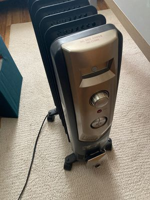 Electric Space heater No oil for Sale in Dillsburg, PA