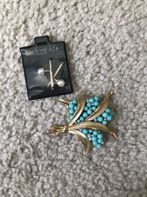 Antique brooch and cuff links for Sale in Sacramento, CA