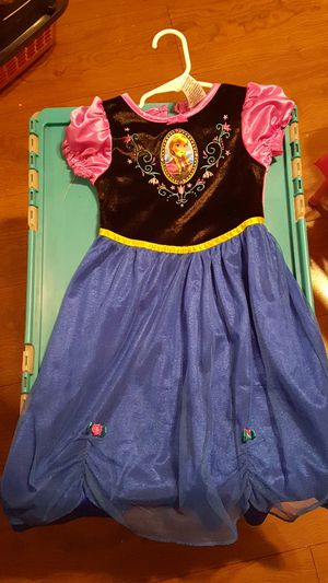 Disney frozen size 3t for Sale in Chicago, IL