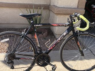 700c 28 Men's GMC Denali Road Racing Bike for Sale in Tolleson,  AZ