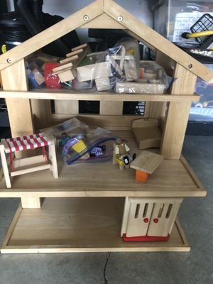 Doll House and Accessories for Sale in North Bend, WA