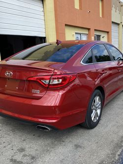 2017 FINANCIAMIENTO DISPONIBLE for Sale in Miami,  FL