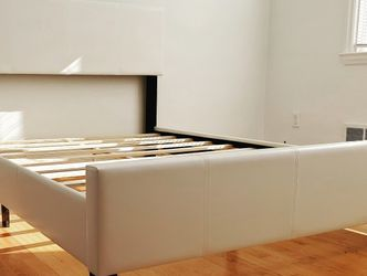 White Leather Twin Size Platform Beds *BRAND NEW-IN-BOX* for Sale in Columbia,  MD
