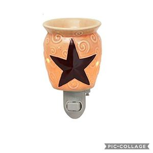 Scentsy Rustic Star Plug-In Warmer New Retired for Sale in Rowland Heights, CA