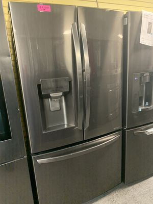 "LG 36""WIDE NEW SCRATCH AND DENT STAINLESS STEEL FRENCH DOOR IN DOOR REFRIGERATOR for Sale in Milford Mill, MD"