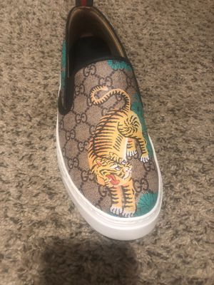 Gucci slip on Sneaker for Sale in Columbus, OH