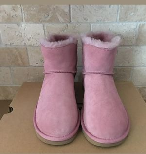 💕🎁💕🎁beautiful pink Ugg size 8 brand new !! for Sale in Hyattsville, MD