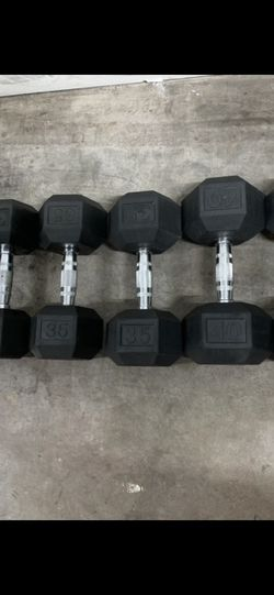 Weights- Rubber Hex Dumbbell Set. 30s, 35s And 40s. for Sale in Fort Lauderdale,  FL