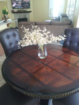 Mor's Furniture kitchen table for Sale in Chula Vista, CA