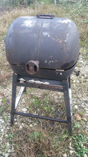 Cool little BBQ grill for Sale in Bland, MO