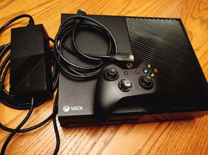 Xbox One Bundle with games and controller + accessories for Sale in Columbus, OH