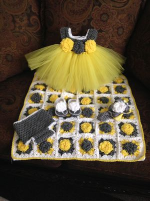 Newborn outfit for Sale in Holyoke, MA