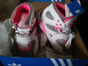 Women's Adidas Roundhouse size 8 for Sale in Altamonte Springs, FL