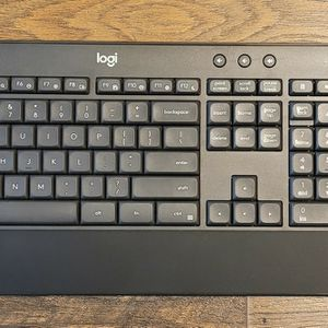 Logitech Wireless Keyboard And Mouse for Sale in Toms River, NJ